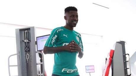 Jogador ficará de oito a 12 semanas fora (Foto: Cesar Greco/Ag. Palmeiras)