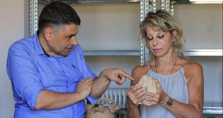 As ruínas de Tenea foram descobertas pela arqueóloga greco-americana Eleni Korka, na foto à direita