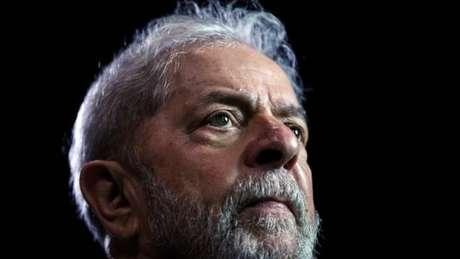 'Eu não mudei absolutamente nada (...) Quem mudou, quem evoluiu, melhor dizendo, foi o Lula', avalia Collor em entrevista à BBC News Brasil