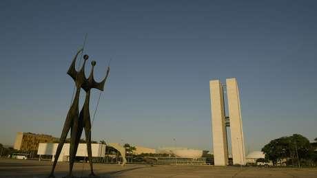 Praça dos Três Poderes, em Brasília; Collor se diz 'parlamentarista' e caracteriza o sistema presidencialista como 'a carroça da política brasileira'