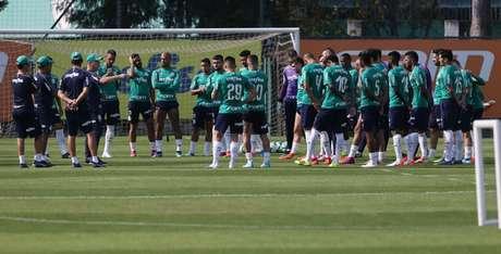 Palmeiras embarca para Fortaleza após o treino da manhã desta sexta (Cesar Greco/Agência Palmeiras/Divulgação)