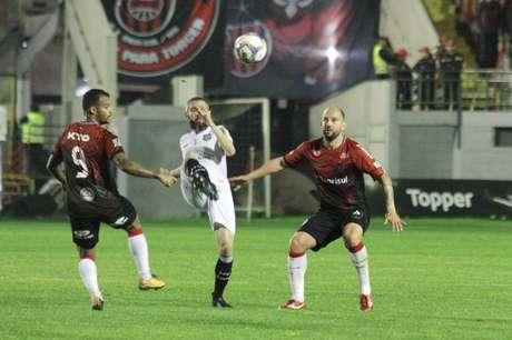 Figueirense empatou aos 44 minutos do segundo tempo (Foto: Divulgação/Brasil de Pelotas)
