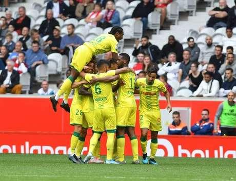 Nantes tenta chegar à liderança do Campeonato Francês (Foto: Reprodução/Facebook)