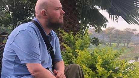 Tony Giles diz que, no início, viajar era uma maneira de ajudá-lo a fugir das próprias emoções