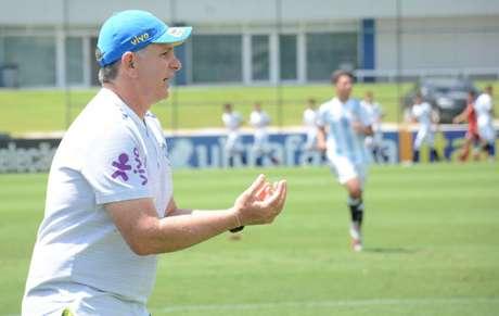 Técnico Guilherme Della Dea anunciou a lista nesta sexta-feira (Foto: João Moretzsohn/CBF)