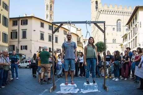 Jovens italianos protestam pelo clima em Florença, na Toscana