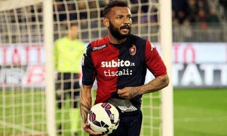 João Pedro marcou o terceiro gol do Cagliari no jogo (Foto: Divulgação/Genoa)