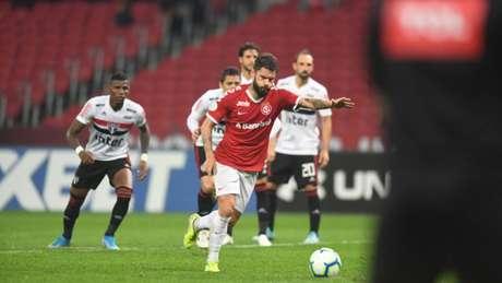 Sóbis ja havia feito declarações públicas criticando o Cruzeiro e sua diretoria durante os duelos com o Internacional pela Copa do Brasil-(Ricardo Duarte/Internacional)