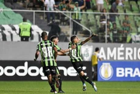 O América-MG conta com a boa fase de Matheusinho, que marcou os dois gols americanos na vitória sobre o Criciúma, na rodada passada- (Mourão Panda/América-MG)