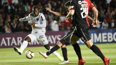 Chará teve boa atuação e marcou um gol na raça para o Galo-(AFP)