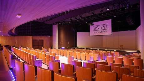 Novos assentos do Teatro Vivo, inaugurado na noite de quinta-feira (19) após revitalização