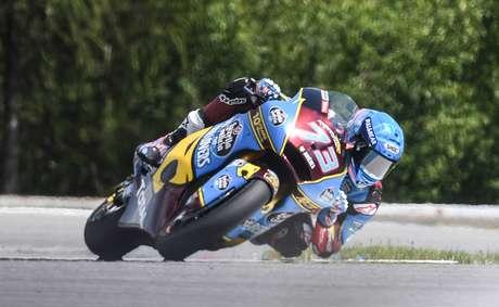 Ritmo forte leva Marquez à pole e a novo recorde da pista em Aragon na Moto2