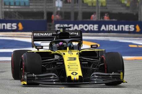 Ricciardo sob investigação pode enfrentar penalidade de grid