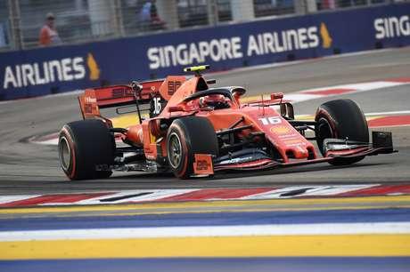Leclerc é o mais rápido no último treino em Singapura; Hamilton em segundo