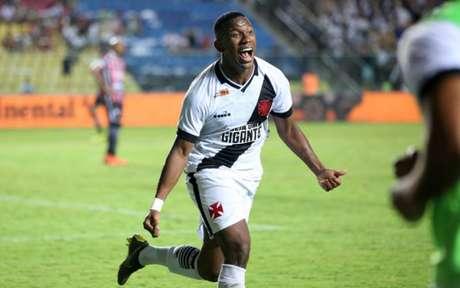 Ribamar entrou no jogo do primeiro turno e hoje é titular (Foto: Carlos Gregório Júnior/CRVG)