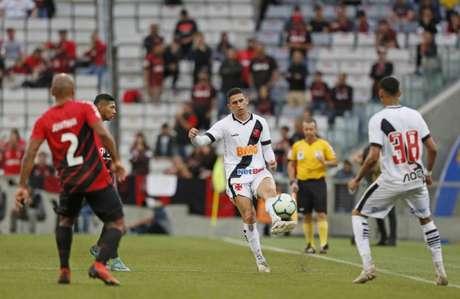 Athletico goleou a equipe vascaína no confronto do primeiro turno (Foto: Rafael Ribeiro/Vasco)
