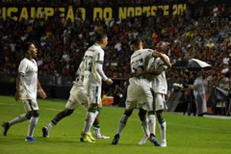 O América-MG teve uma noite perfeita no Recife e saiu vitorioso da Ilha do Retiro- (Mourão Panda/América-MG)