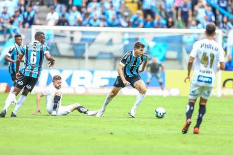 Após vencer no RS, Santos recebe o Grêmio na Vila Belmiro (Foto: Lucas Uebel/Gremio FBPA)
