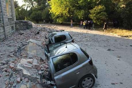 Terremoto mais forte em 30 anos fere mais de 100 na Albânia