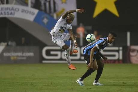 Marinho foi o pior do Santos na noite deste sábado (Foto: Ivan Storti)