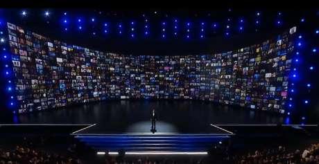 Bryan Cranston destacou o valor da TV na missão de retratar a evolução da humanidade
