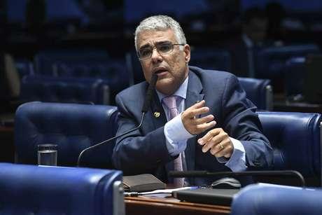 O senador Eduardo Girão (Pode-CE), um dos defensores da nova PEC, que defende mandatos para ministros do STF