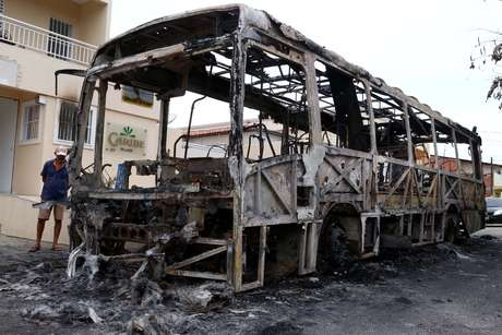 Ônibus incendiado na cidade de Fortaleza