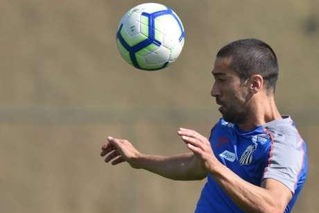 Evandro treinou com bola no treino do Santos nesta terça-feira, no CT Rei Pelé (Foto: Ivan Storti/Santos)