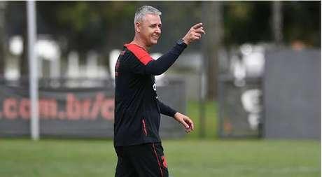 Treinador quer manter força máxima da equipe (Foto: Miguel Locatelli/CAP)