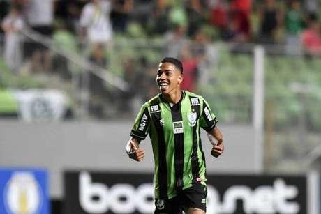 Matheusinho foi o autor do segundo gol do Coelho (Foto: Mourão Panda/América-MG)