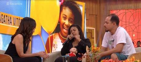 Fátima Bernardes recebeu os pais da menina Ágatha no Encontro desta terça-feira (24)
