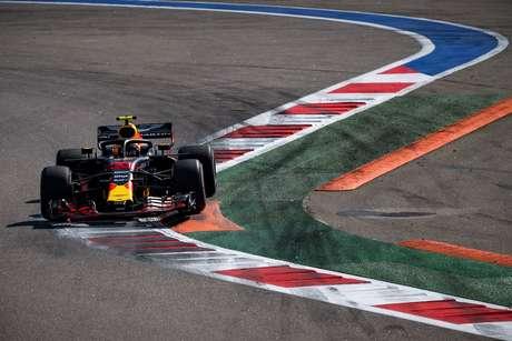"Verstappen ansioso por Sochi: ""Muitas oportunidades de ultrapassagem"""