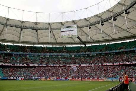Clube reclama de administração do estádio, que aumentou preço da cerveja até para sócios (Foto: Felipe Oliveira/ECB)