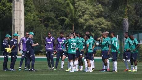 Mano Menezes não contará com Marcos Rocha, suspenso (Foto: Cesar Greco/Palmeiras)