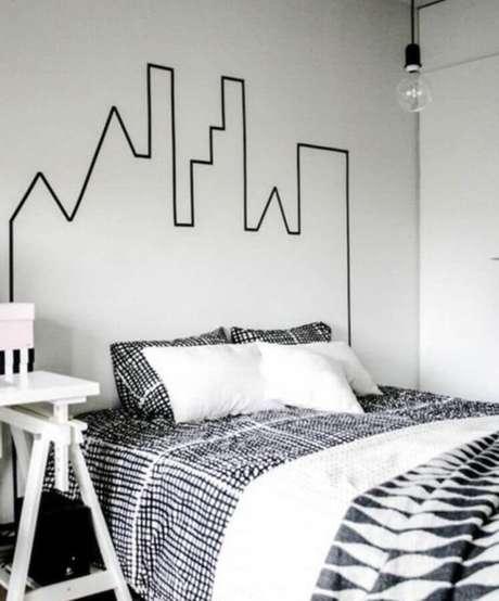 1. Personalize o estilo do seu ambiente investindo na decoração com fita isolante – Foto: Pinosy