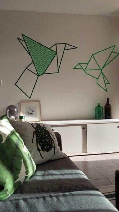 22. Decoração com fita isolante para sala de estar – Foto: Hasshe