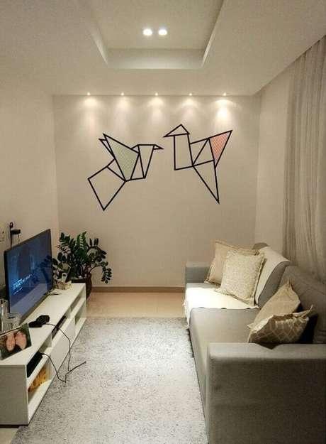 23. Parede decorada com fita isolante para sala de estar minimalista – Foto: Rosaline C. Albuquerque Tojal