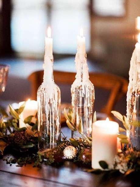 9. Garrafas decoradas com velas