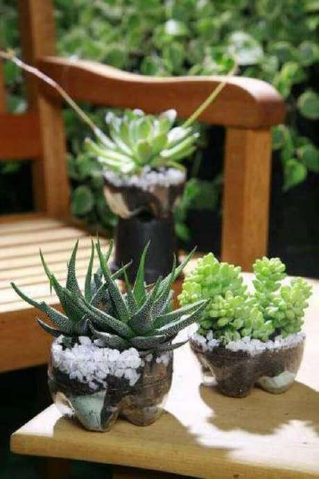 3. Vaso de suculentas feito com garrafasdecoradas