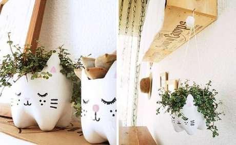 27. Vaso fofo feito com garrafas decoradas