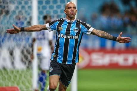 Diego Tardelli rescinde com o Grêmio está livre no mercado