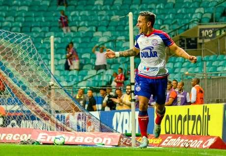 Artur marcou na vitória do Bahia.