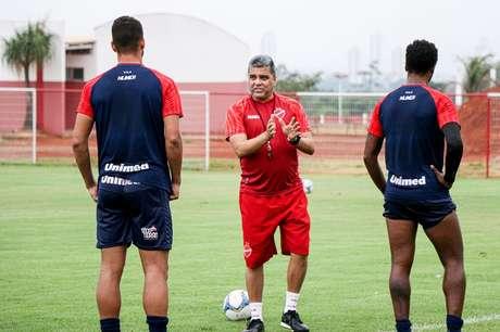 Vila Nova vem de grande reação contra o CRB na última rodada (Foto: Reprodução/Facebook)