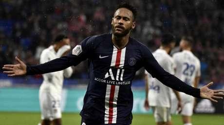 Neymar deu a vitória ao PSG nos dois últimos jogos da equipe (JEFF PACHOUD/AFP)