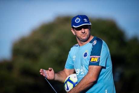 Ceni comandou o Cruzeiro em apenas oito jogos- (Foto: Bruno Haddad/Cruzeiro)