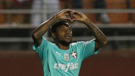 Luiz Adriano já ostenta uma média superior a 0,6 gol por partida pelo Palmeiras (Cesar Greco/Agência Palmeiras)