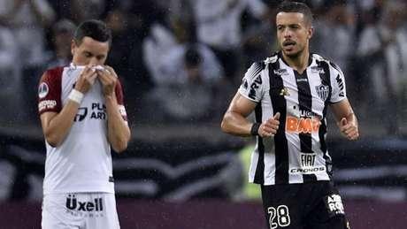 A equipe brasileira não conseguiu segurar o placar que lhe dava a vaga na final da Sul-Americana-(AFP)