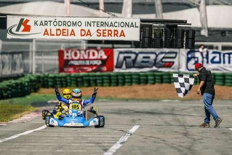 Kart: Ricardo Gracia conquista a pole position no Kartódromo Beto Carrero