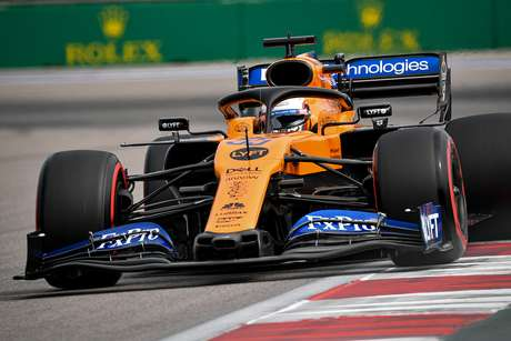 """Carlos Sainz comemora sua """"melhor volta do ano"""", que lhe rendeu a 5ª posição no grid russo"""