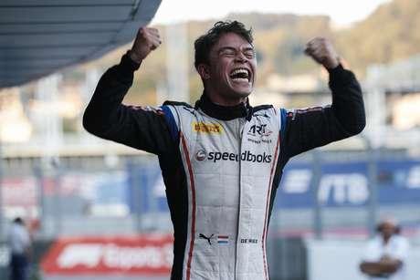 Nyck De Vries vence em Sochi e é campeão da temporada 2019 da F2